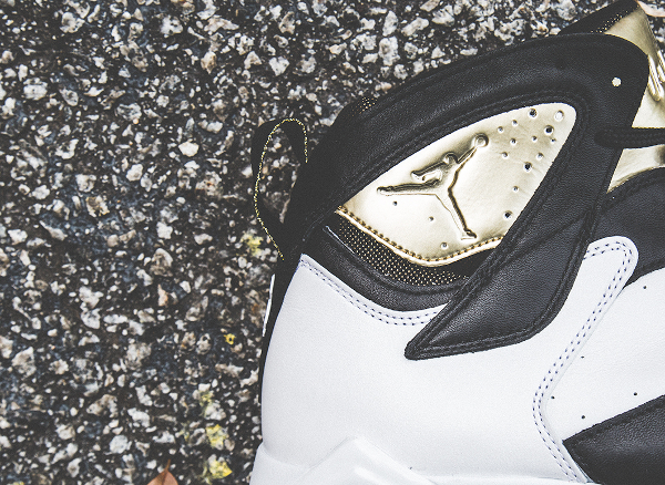 Air Jordan 7 Champagne White Black Gold (6)