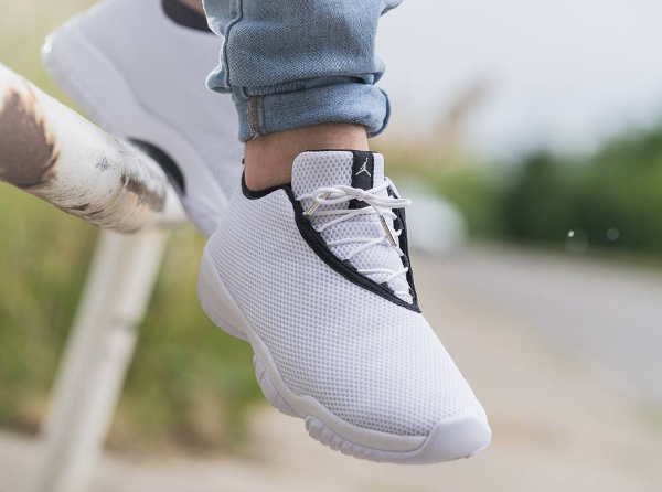 Air Jordan Future Low White Grey Mist (2)