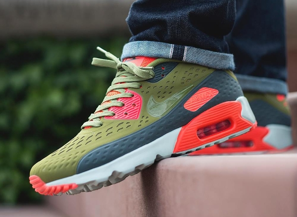 Air Max 90 Ultra BR Infrared Scenery Green aux pieds