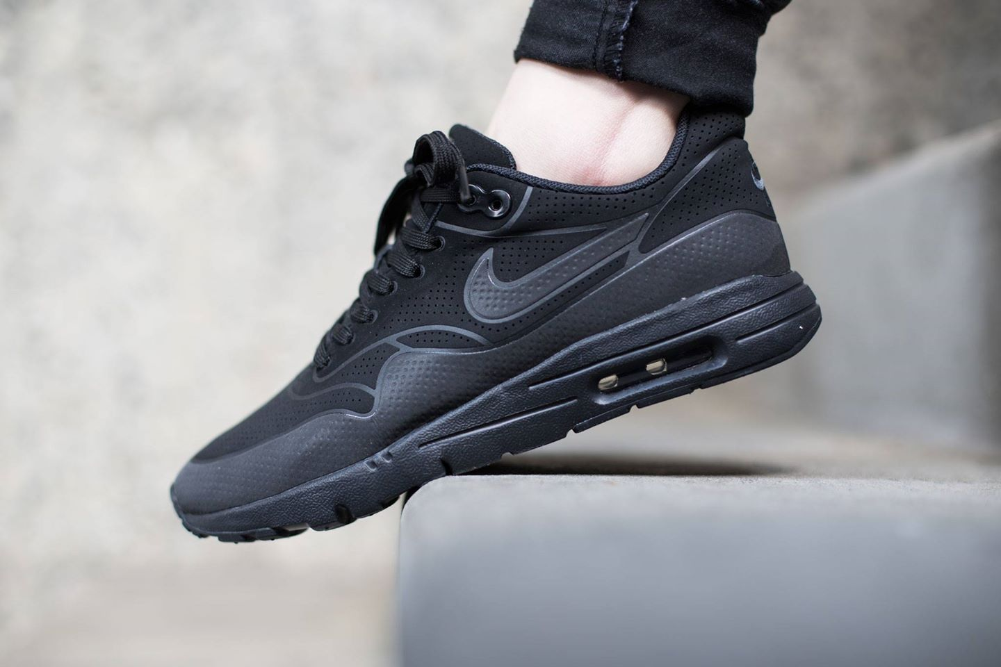 Où acheter la Nike Air Max 1 Ultra Moire Black Anthracite ?