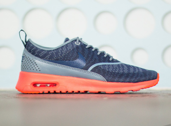 Nike Air Max Thea JCRD Cool Blue Hot Lava (2)