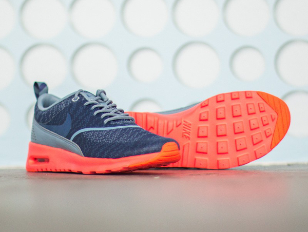 Nike Air Max Thea JCRD Cool Blue Hot Lava (3)
