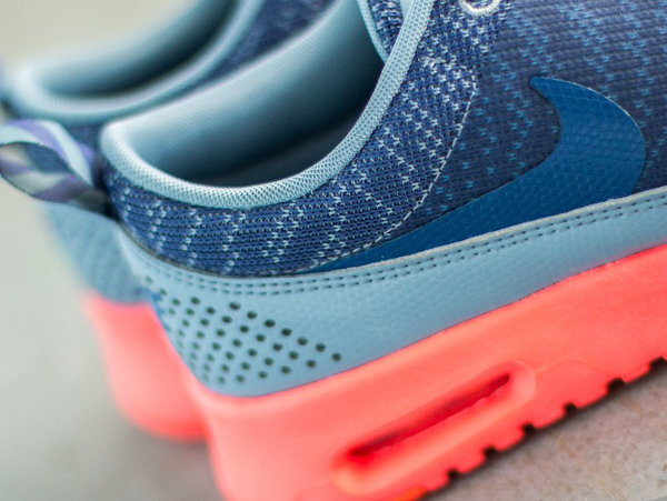 Nike Air Max Thea JCRD Cool Blue Hot Lava (7)