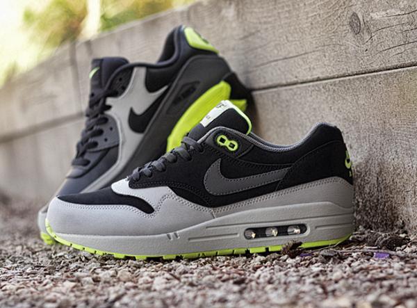 Nike Air Max Volt