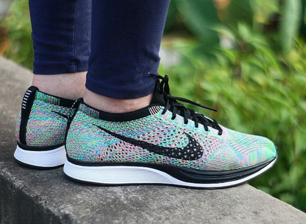 new arrival 203a5 5cb83 Nike Flyknit Racer Rainbow Multicolor 2.0 aux pieds (1)
