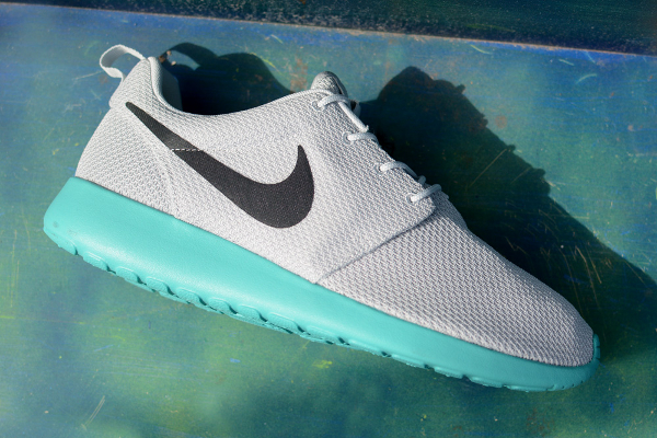 Où acheter la Nike Roshe Run Calypso Pure Platinum 2015 ?