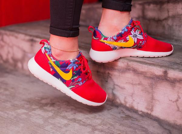 Nike Roshe Run Print Aloha Red Floral (2)