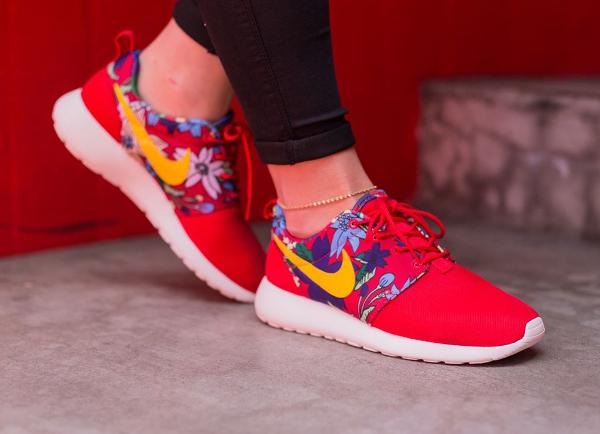 Nike Roshe Run Print Aloha Red Floral (4)