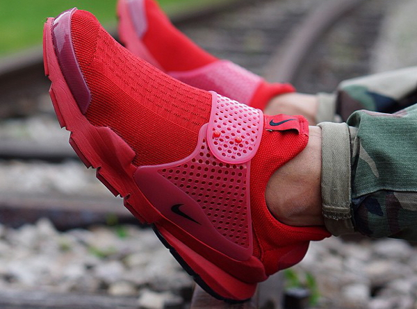 Nike Sock Dart Red Independence Day (2)