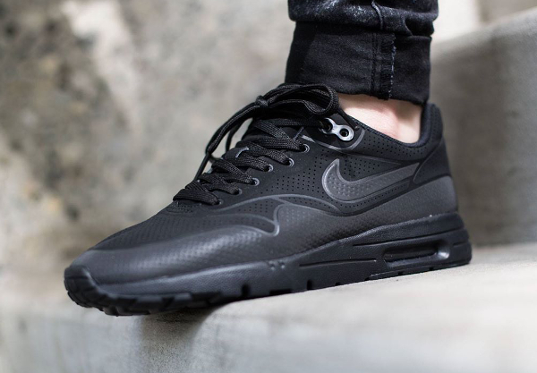 Nike Wmns Air Max 1 Ultra Moire Black (noire) (1)