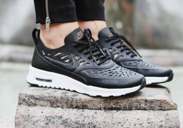 Nike Wmns Air Max Thea JOLI Black Black (1)