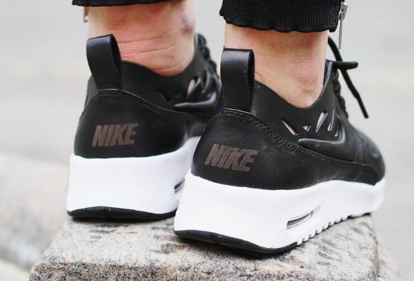 Nike Wmns Air Max Thea JOLI Black Black (3)