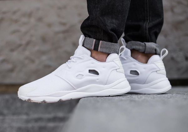the best attitude 53fb9 20ad2 Reebok Furylite Triple White