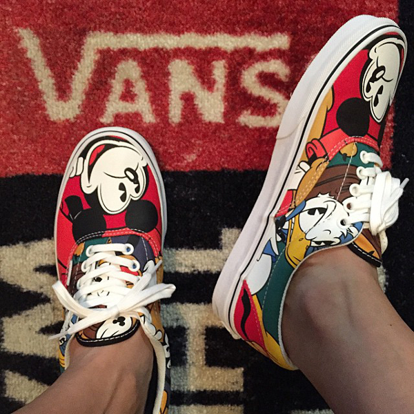 Vans Era Mickey & Friends x Disney (1)