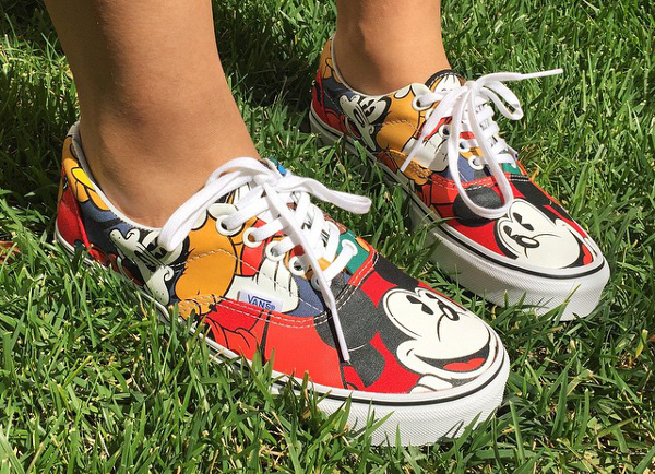Vans Era Mickey & Friends x Disney