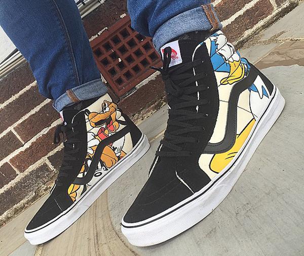 Vans Sk8 Hi Disney Mickey & Friends-1