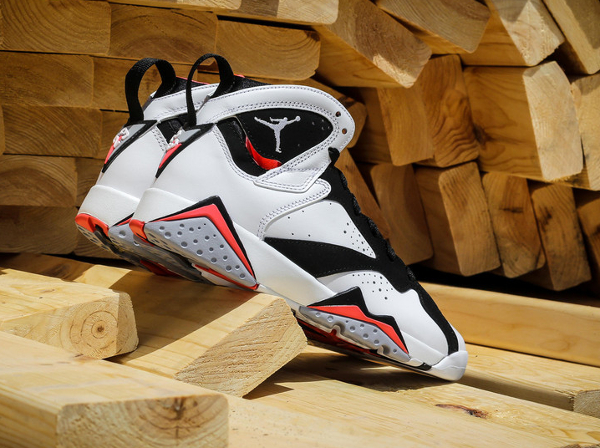 Air Jordan 7 Retro GG Black Hot Lava (3)