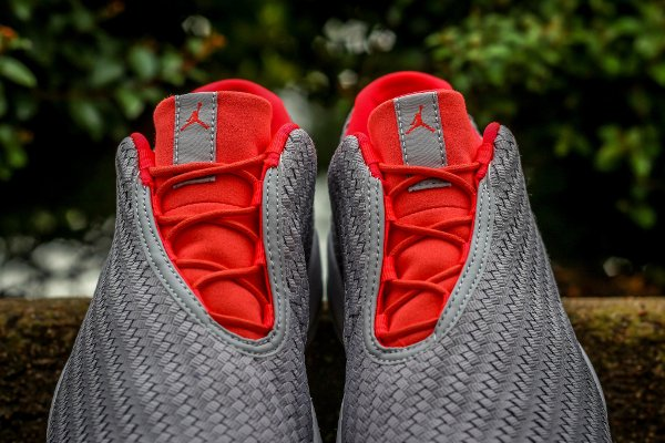 Air Jordan Future Low Wolf Grey (2)