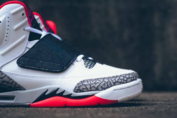 Air Jordan Son Of Mars Hot Lava (7)