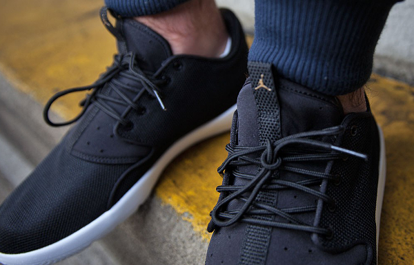 Jordan Eclipse Black Gold  (2)