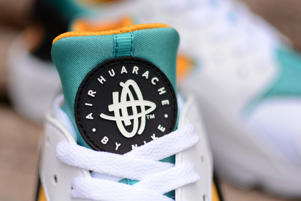 Nike Air Huarache OG 2015 White Sport Turquoise University Gold (2)
