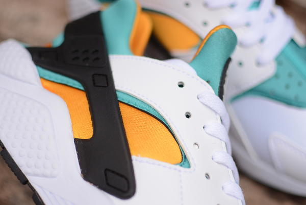 Nike Air Huarache OG 2015 White Sport Turquoise University Gold (4)