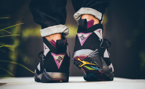 Nike Air Jordan 7 Retro Bordeaux 2015 aux pieds (2)