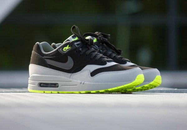 Nike Air Max 1 Leather 'Neon'  (2)
