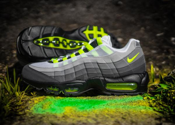 Nike Air Max 95 OG Black Volt 2015 (5)
