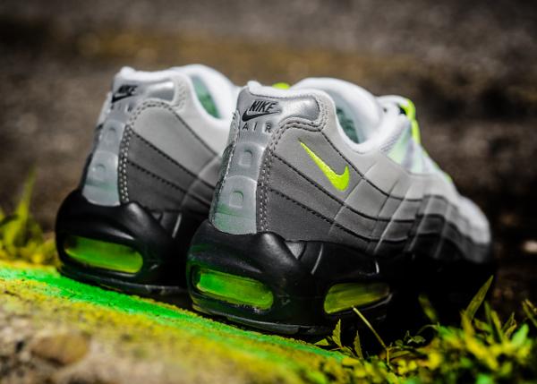 Nike Air Max 95 OG Black Volt 2015 (6)