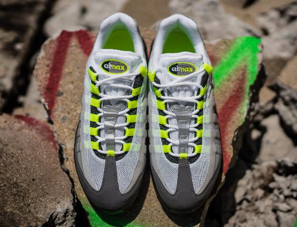 Nike Air Max 95 OG Black Volt 2015 (8)