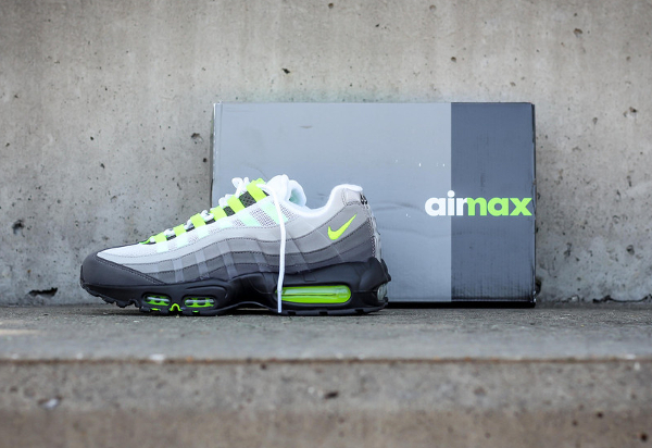 Nike Air Max 95 OG Black Volt 2015 (9)