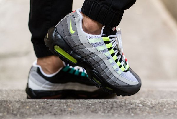 Nike Air Max 95 OG Black Volt-Safety Orange QS (17)