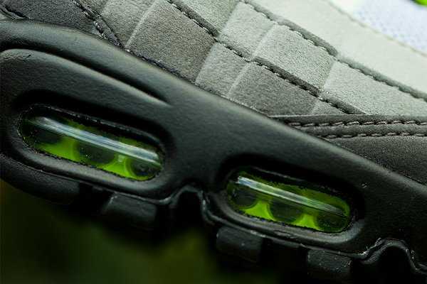 Nike Air Max 95 OG Black Volt-Safety Orange QS (9)