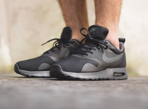 Nike Air Max Tavas Black Anthracite (2)