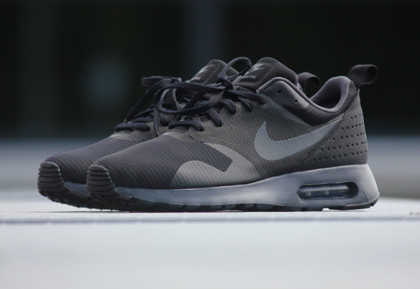 Nike Air Max Tavas Triple Black (2)