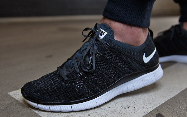 wholesale dealer d7a6a 19d73 Nike Free Flyknit NSW White Black (6)