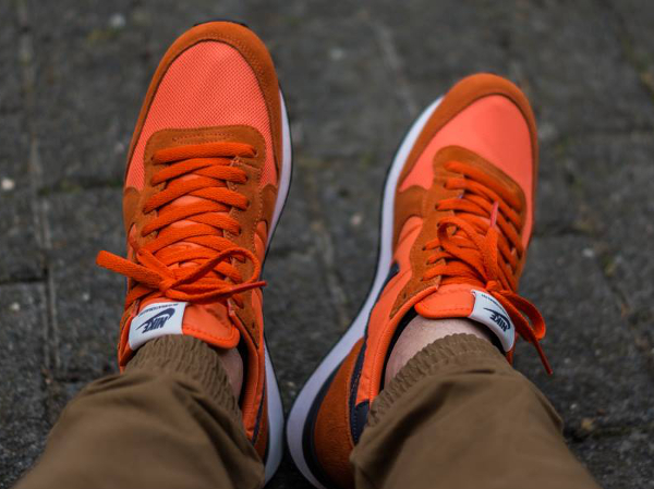 Nike Internationalist Suede Dark Grey Orange  (1)