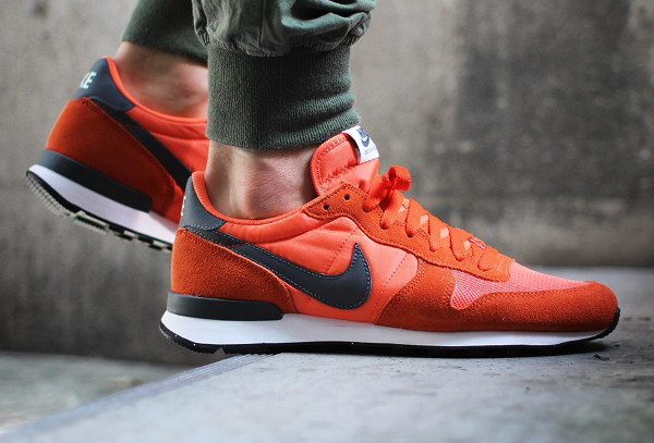 Nike Internationalist Suede Dark Grey Orange  (2)