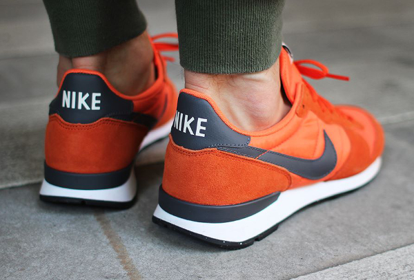Nike Internationalist Suede Dark Grey Orange  (3)