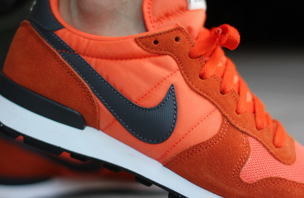 Nike Internationalist Suede Dark Grey Orange  (4)