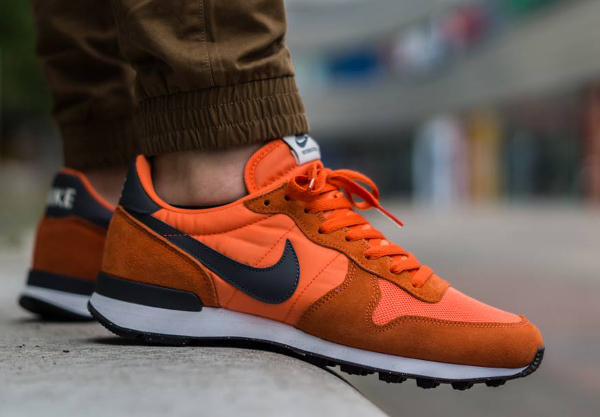 Nike Internationalist Suede Dark Grey Orange  (5)