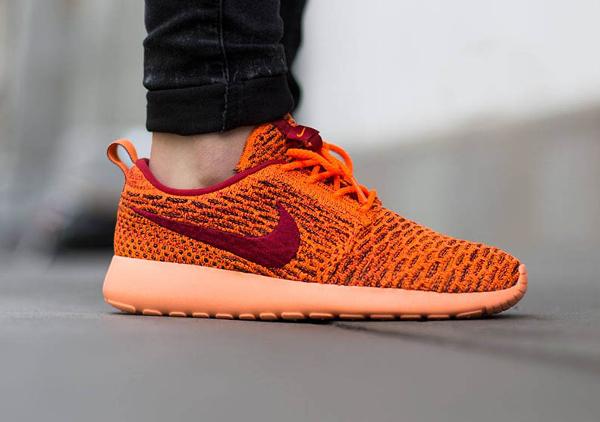 Nike Roshe Flyknit Total Orange