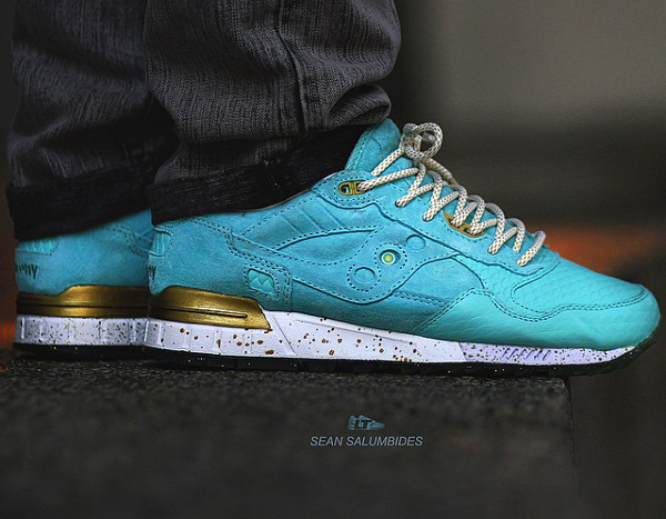 Saucony Shadow 5000 Righteous One x Epitome aux pieds (1)