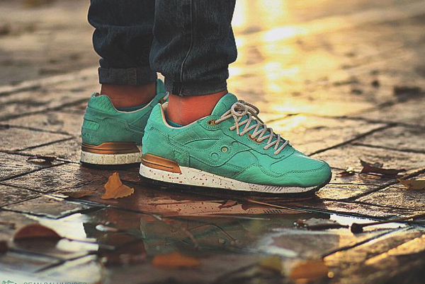 Saucony Shadow 5000 Righteous One x Epitome aux pieds