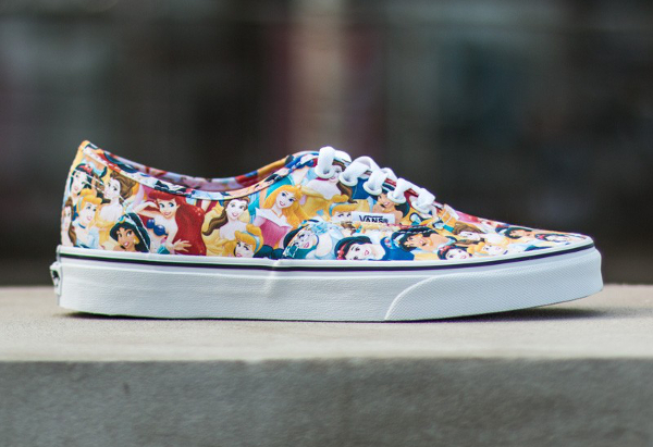 Vans Authentic x Disney Young At Heart Disney (2)