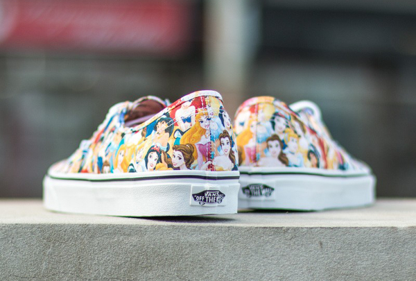 Vans Authentic x Disney Young At Heart Disney (4)