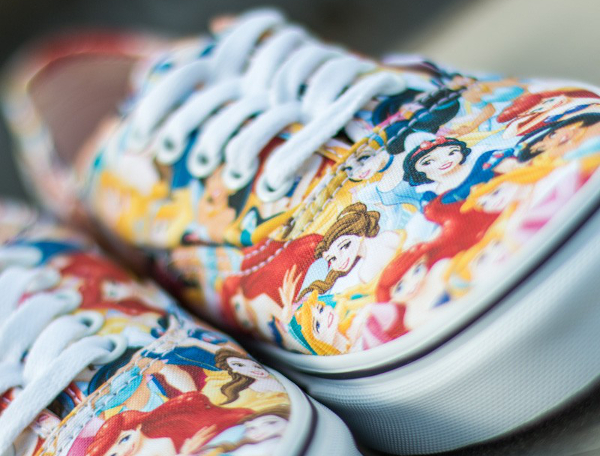 Vans Authentic x Disney Young At Heart Disney (6)