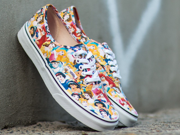 Vans Authentic x Disney Young At Heart Disney (8)