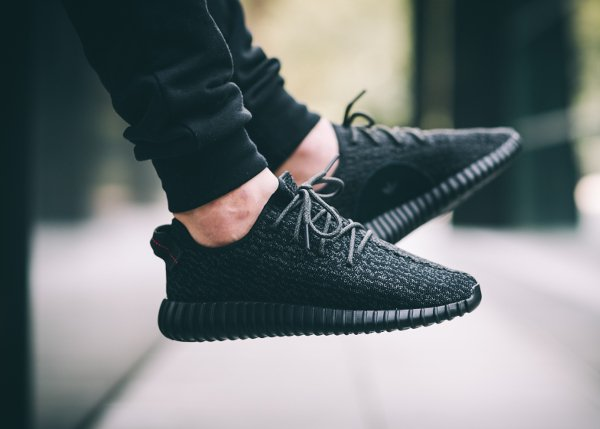 Adidas Yeezy Boost 350 Black Pirate (1)